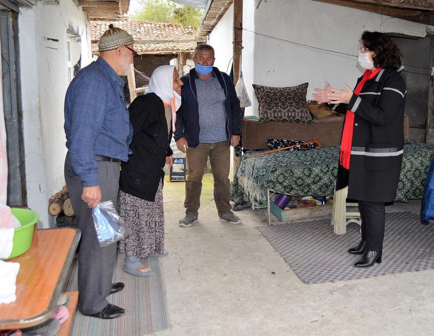 alayurt-baslamis-teberoglu-mah-yaslilari-ziyaret-16-04-10.JPG