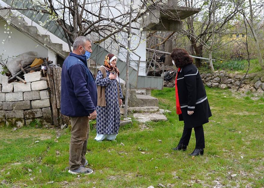 alayurt-baslamis-teberoglu-mah-yaslilari-ziyaret-16-04-12.JPG