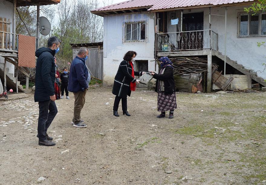 alayurt-baslamis-teberoglu-mah-yaslilari-ziyaret-16-04-6.JPG