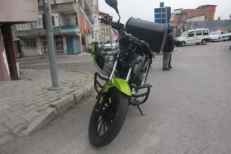 ambulans-ile-motosiklet-carpisti-2.jpg