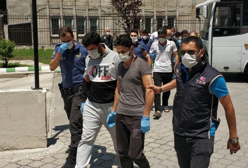 Samsun'da DEAŞ'tan 11 kişi adliyeye sevk edildi.