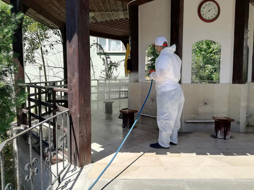 badete-acilacak-camileri-dezenfekte-ediyor-11.jpg