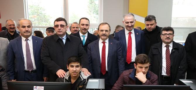 bafra-belediyesi-bilgi-ve-teknoloji-evi-acildi-3.jpg