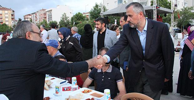 bafra-belediyesinden-buyuk-iftar-3.jpg