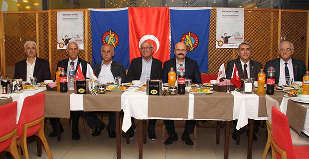 bafra-turk-hava-kurumu-subesi-iftar-yemeginde-bulustu-4.jpg