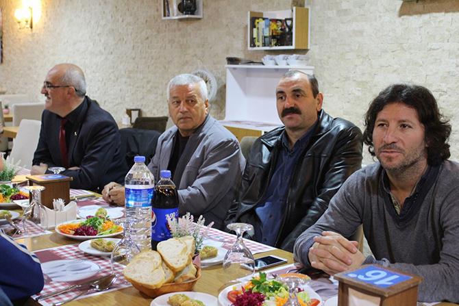 bafra-veteranlar-aksam-yemeginde-bulustu5.jpg