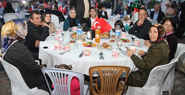 bafra-ziraat-odasi-iftar-yemegi-2.jpg