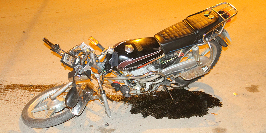 bafrada-alkollu-motosiklet-surucusu-kaza-yapti-2-yarali-1-001.jpg