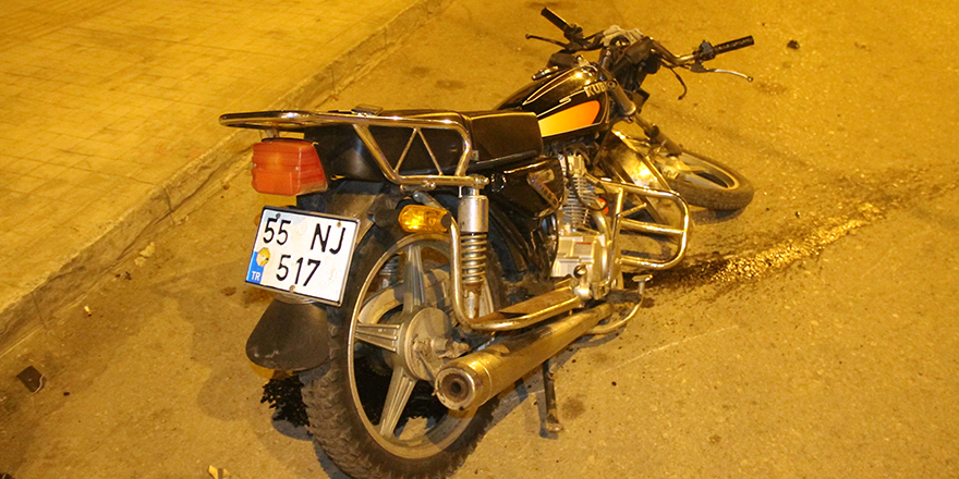 bafrada-alkollu-motosiklet-surucusu-kaza-yapti-2-yarali-2.jpg