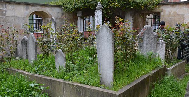 bafrada-eski-mezarlar-3.jpg
