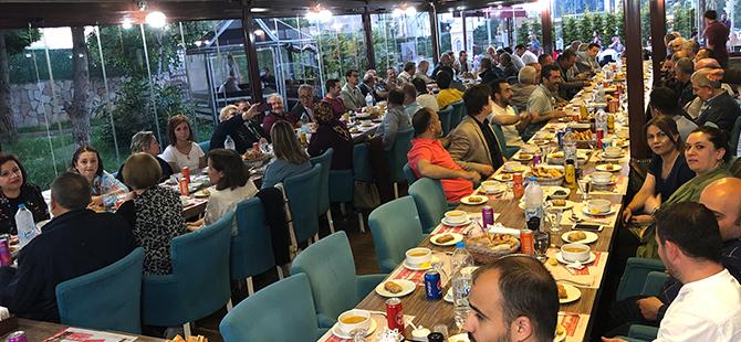 balkan-turkleri-geleneksel-iftar-sofrasinda-bulustu23.jpg