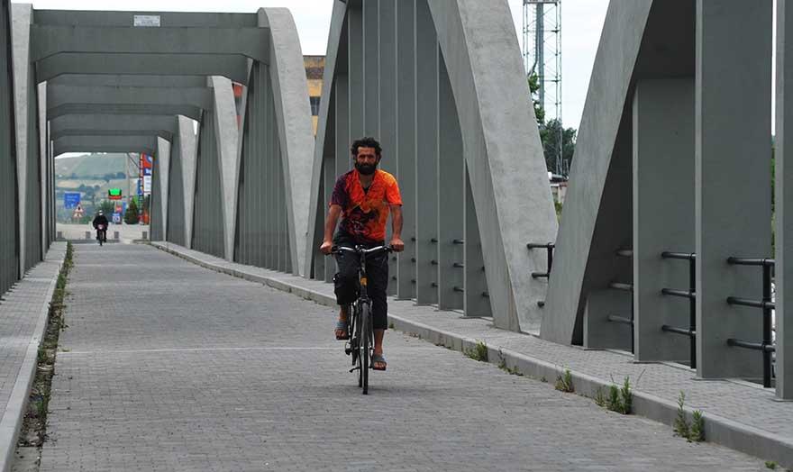 bisiklet-gezgini-4-yilda-85-bin-kilometre-pedal-cevirdi-3.jpg