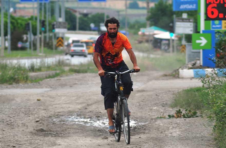 bisiklet-gezgini-4-yilda-85-bin-kilometre-pedal-cevirdi-4.jpg