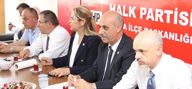 cumhuriyet-halk-partisi-bafra-ilce-baskanliginda-bayramlasma-1.jpg