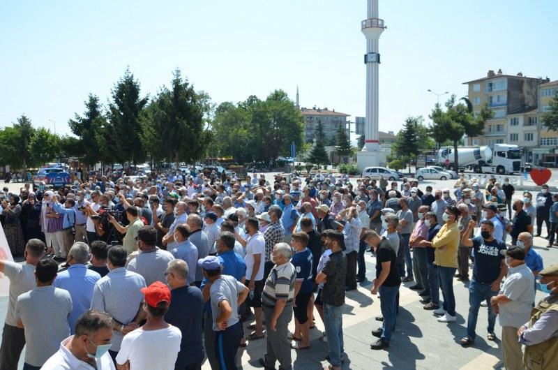 engiz-mahallesi-sakinleri-satisi-turkiye-standartlari-uzerinden-bizlere-satiliyor-001.JPG