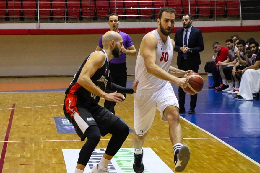 futboldan-sonra-basketde-kazandik-2.jpg