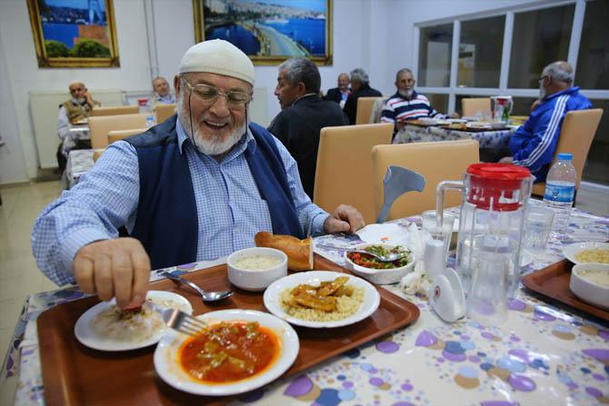 huzur-evinde-ramazan-003.jpg