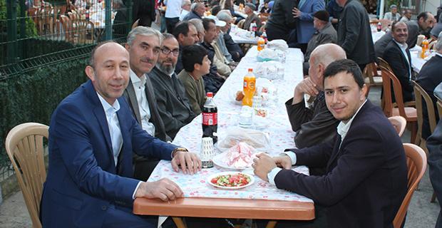 kaya-ailesinden-bafrada-anlamli-iftar-yemegi-11.jpg