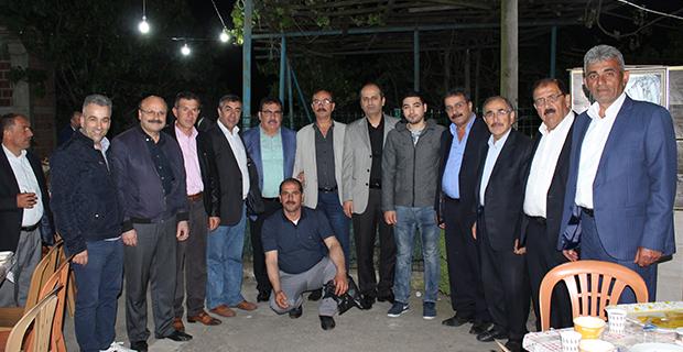 kaya-ailesinden-bafrada-anlamli-iftar-yemegi-12.jpg