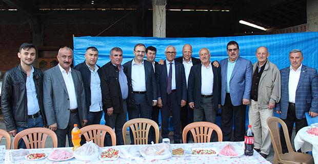 kaya-ailesinden-bafrada-anlamli-iftar-yemegi-4.jpg