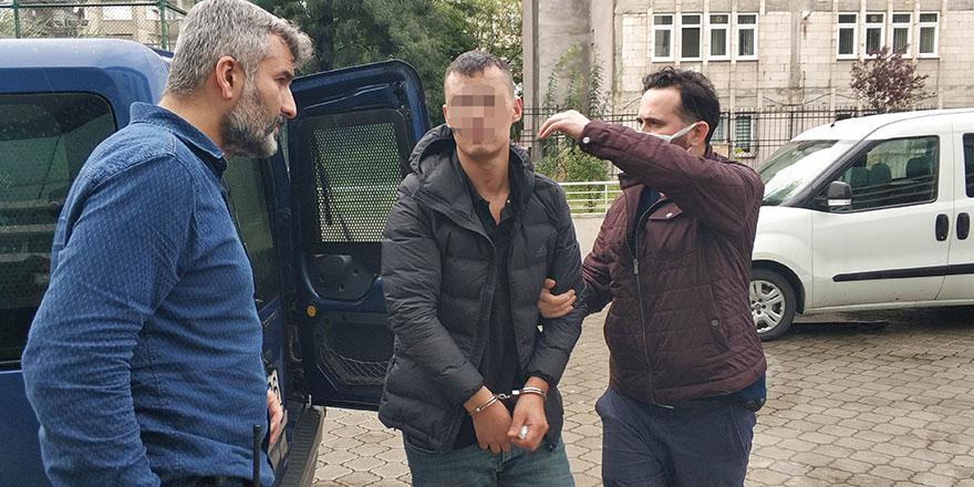 kiz-arkadasinin-evini-tasladi-ataturke-hakaretten-tutuklandi-1.jpg