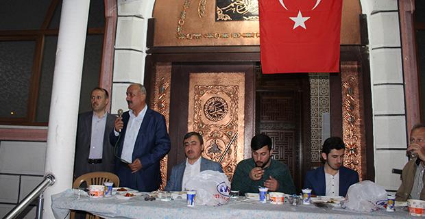mete-ailesinden-bafrada-anlamli-iftar-2-002.jpg