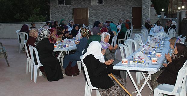 mete-ailesinden-bafrada-anlamli-iftar-7.jpg