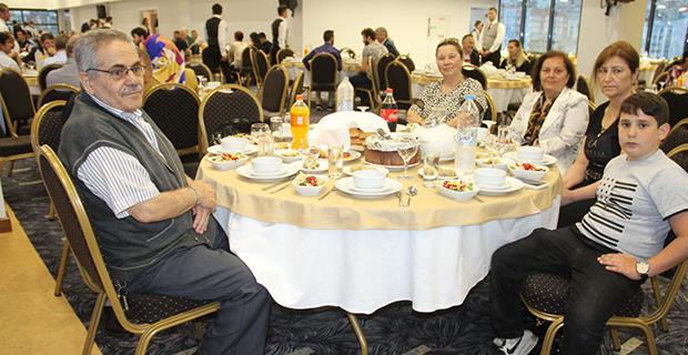moda-konut-insaat-iftar-yemegi-verdi-14.jpg