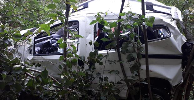 orduda-otomobil-ucuruma-yuvarlandi-2-yarali3.jpg