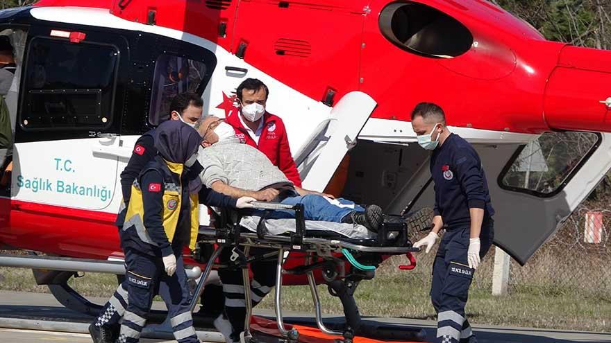 samsunda-kalp-krizi-geciren-yasli-adama-ambulans-helikopter-yetisti-2.jpg