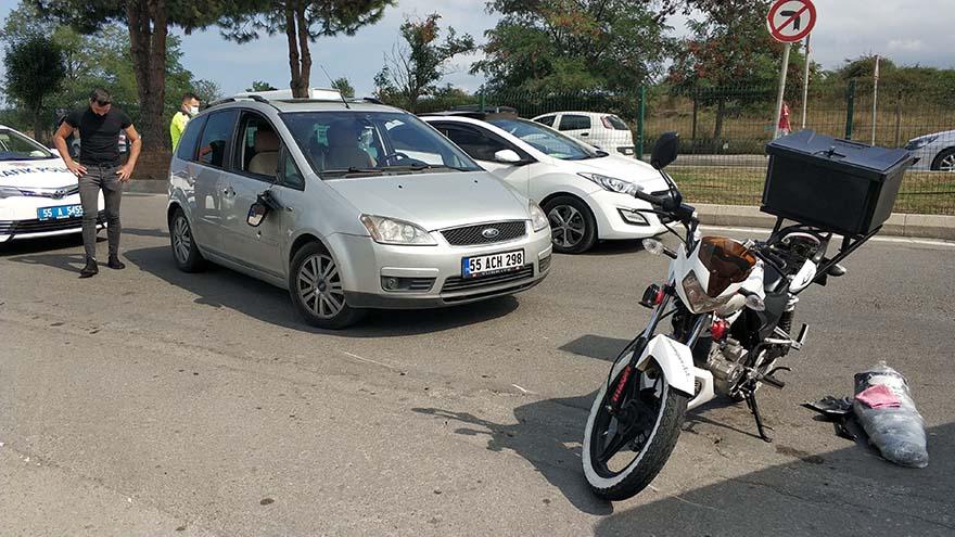 samsunda-otomobil-motosiklete-carpti-2.jpg