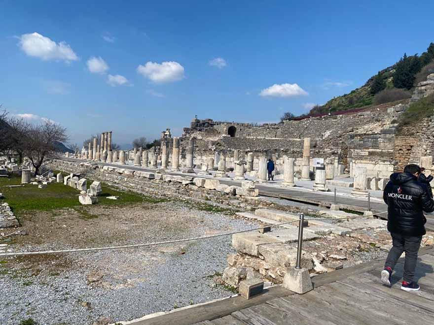 tarihin-bir-nefesi-efes-antik-kenti-5.jpg