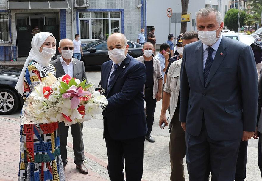 vali-dagli-bafra-belediyesini-ziyaret-etti-2.jpg