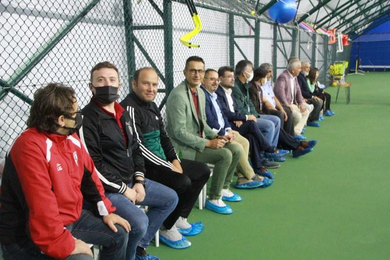 veteran-1-tenis-turnuvasi-final-maci-carsamba-gunu-002.JPG