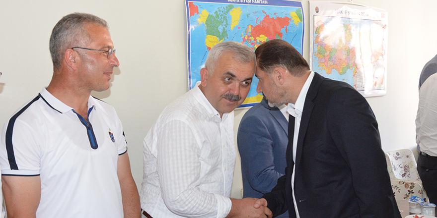 yavuz-selim-vakfinda-bayramlasma-2.jpg