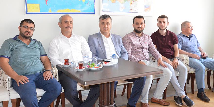 yavuz-selim-vakfinda-bayramlasma-4.jpg