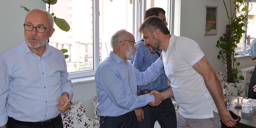 yavuz-selim-vakfinda-bayramlasma-6.jpg